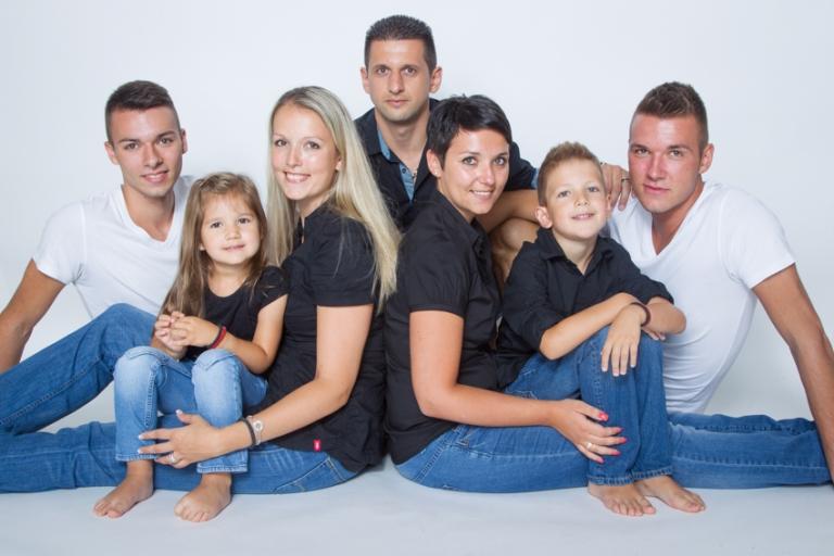 fotoshooting mit der ganzen familie fotografin silvia. Black Bedroom Furniture Sets. Home Design Ideas